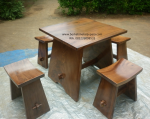 Set Kursi Stool Trembesi
